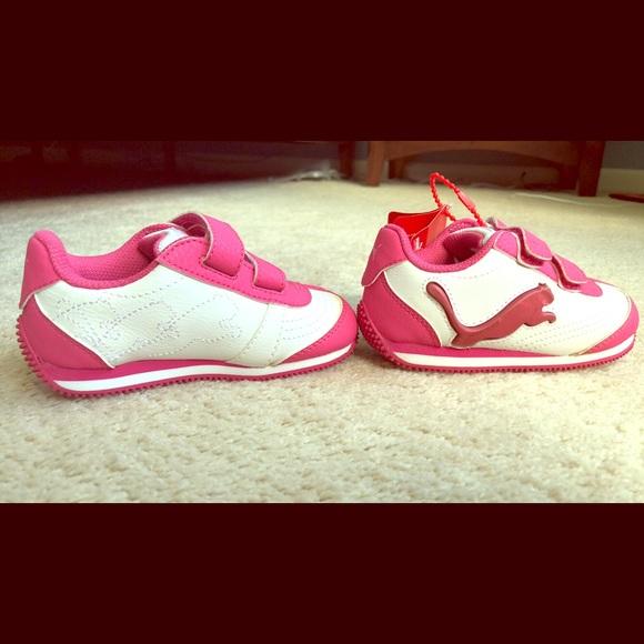 Puma Other - Toddler girls size 6 pink/white Puma light up